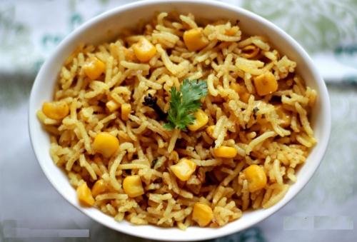 Рис с соевым соусом и кукурузой