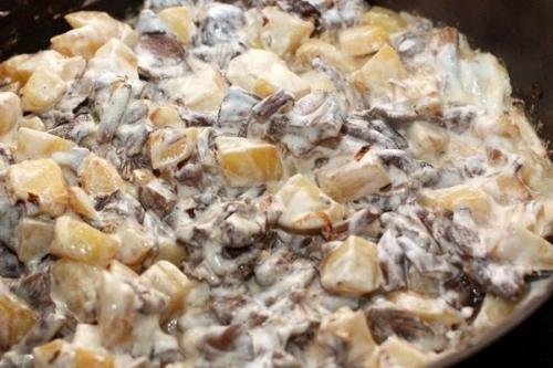 Картошка с грибами в сметане рецепт в духовке