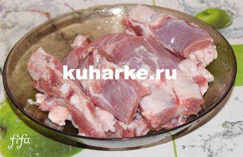 свиные ребрышки с овощами в мультиварке