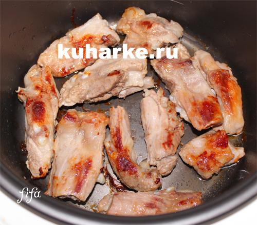 тушеные свиные ребрышки в мультиварке рецепт с фото